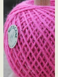 Twine on a stand Nutscene Pink
